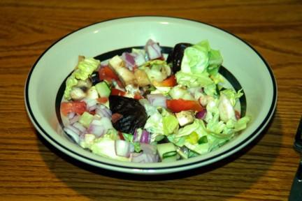 Salad w/'fixins'